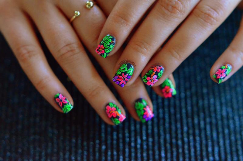 Hot Tropics nail art by 9th Princess