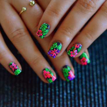 Hot Tropics nail art by 9th Princess