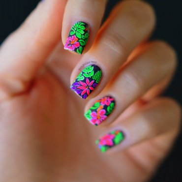 Hot Tropics #2 nail art by 9th Princess