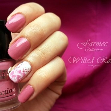 Wilted Rose nail art by Roxy Ch