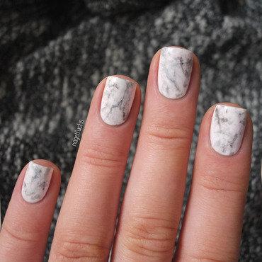 Marble Nailart Closeup nail art by nagelfuchs