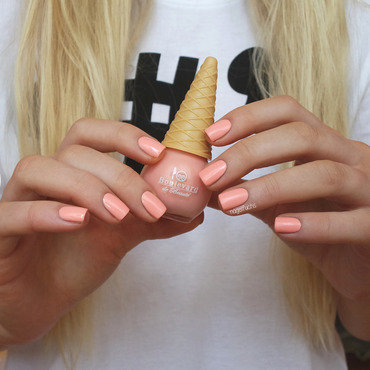 Boulevard de Beauté Peach Swatch by nagelfuchs