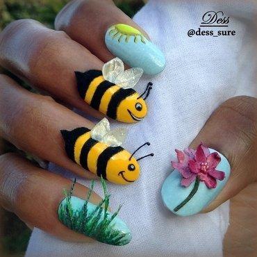 Buzzz nail art by Dess_sure
