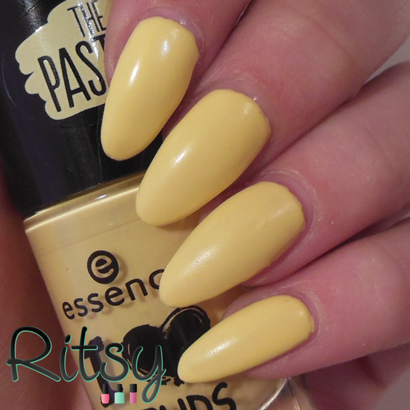 Essence sun is smiling Swatch by Ritsy NL