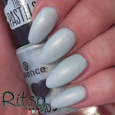 Essence Bubble bath Swatch by Ritsy NL