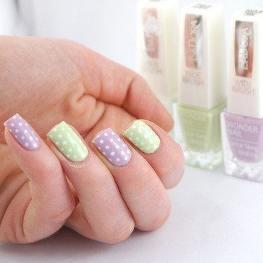 Spring Dotticure nail art by Ann-Kristin