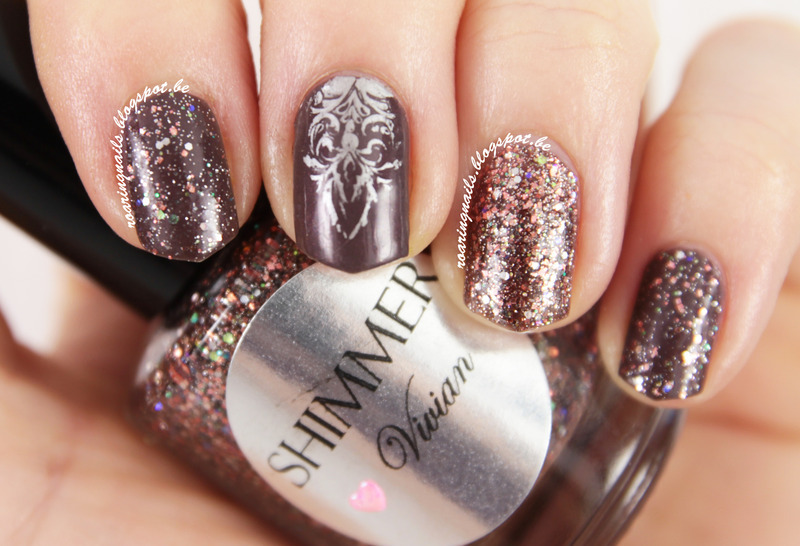 Elegant with Shimmer Vivian nail art by Robin