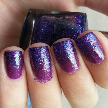 Glitter gradient nail art by Olivia D.