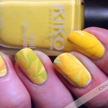 Daffodil nail art by Francine