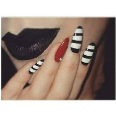 NAVY SPRING NAILS nail art by Fjolaswonderland