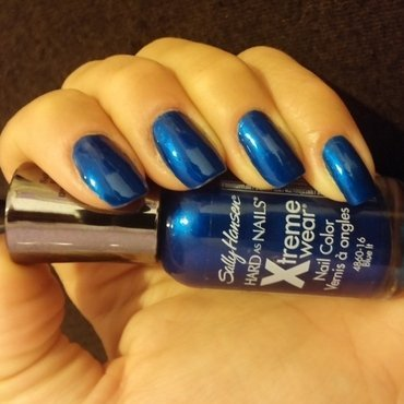 Sally Hansen Blue it and Seche Vite Topcoat Swatch by Noa Sarussi