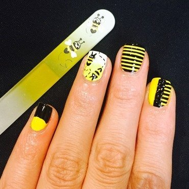 Bumble bee nail art by Ashley