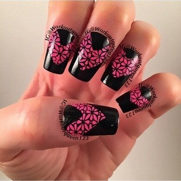 Chevron pink and black nail art by Workoutqueen123