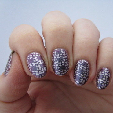 Metallic stamping nail art by Nail Crazinesss
