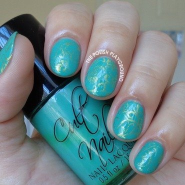 Green and Gold Luxe Floral Wallpaper nail art by Lisa N