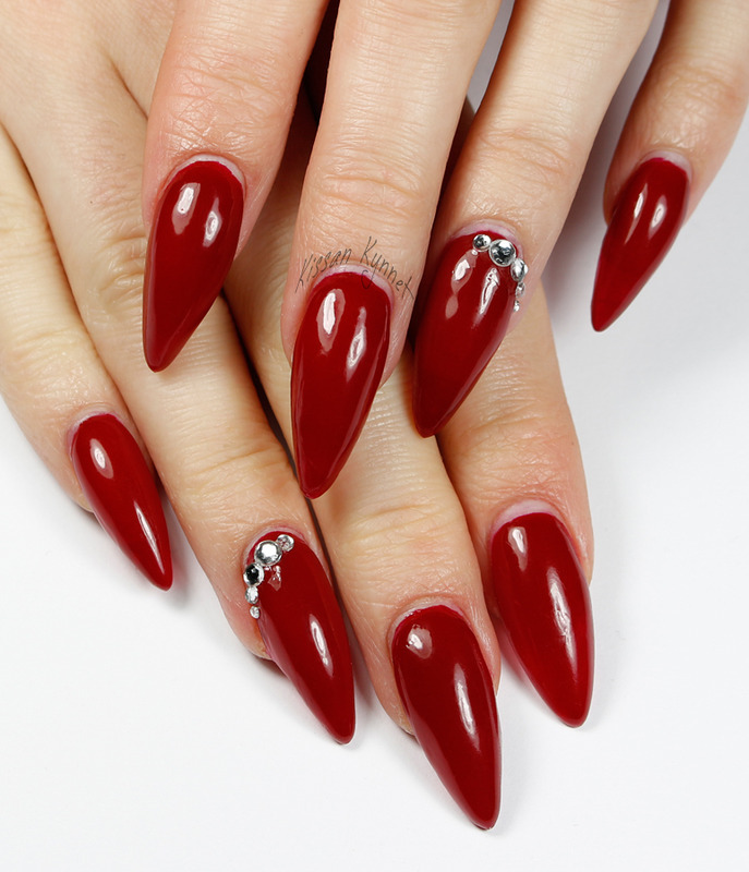 A Fine Madame nail art by Yue
