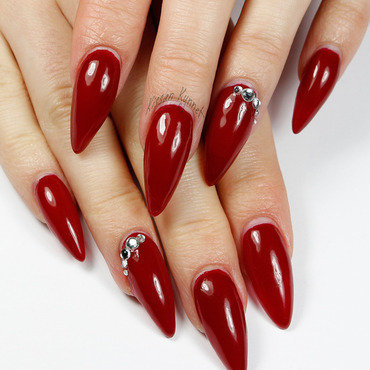 Red stiletto nails thumb370f