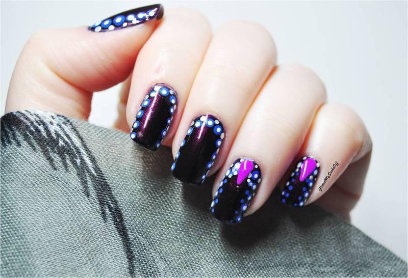 Dot dot dot nail art by GlitterMySocksOff
