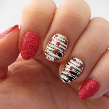 Fan brush with dots nail art by Nail Crazinesss
