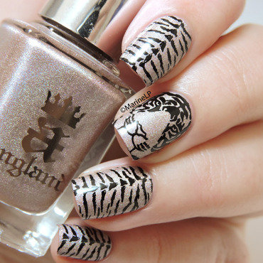 Tiger nails nail art by Marine Loves Polish