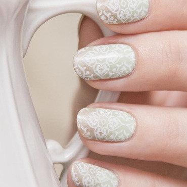 Stamping nail art by Magdalena