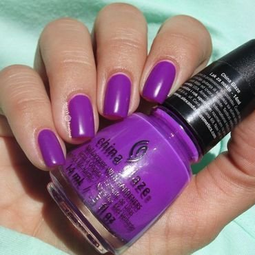 China Glaze Violet-Vibes Swatch by Marina