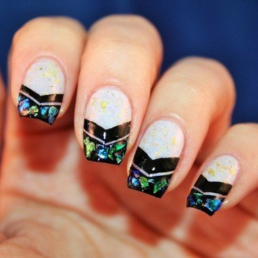 Never `Too much flakes` nail art by Jane