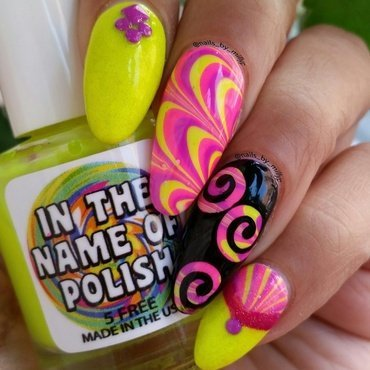 Swirl Partnership nail art by Milly Palma