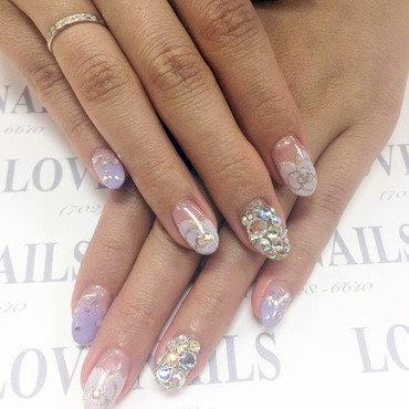 kaleidoscope nail art by Ava Liu