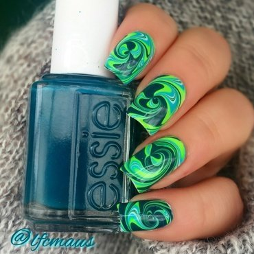 Green swirl marbling :)) nail art by Arlett