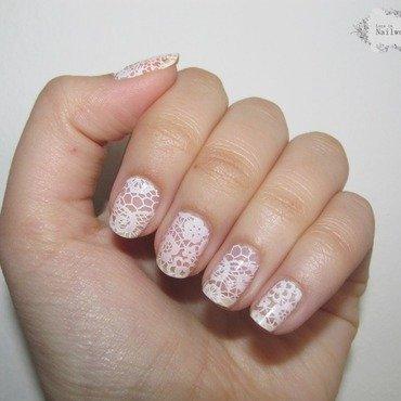 White lace nails01 thumb370f