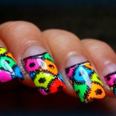 Neon nail art by Nicky