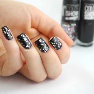 Maybelline Blackout and Maybelline Broadway Lights Swatch by Ann-Kristin