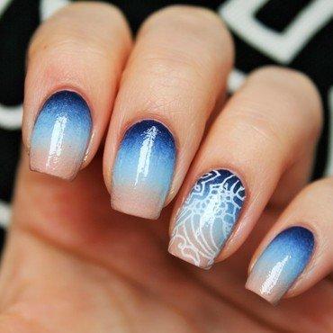 Bluish gradient nail art by Jane