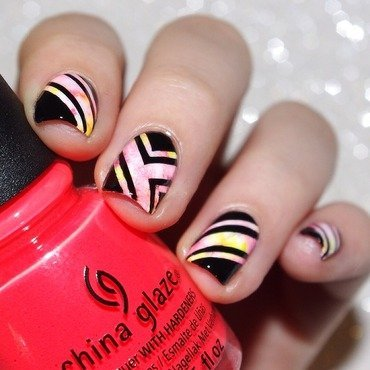 Colors and Geometric nail art. nail art by Bulleuw