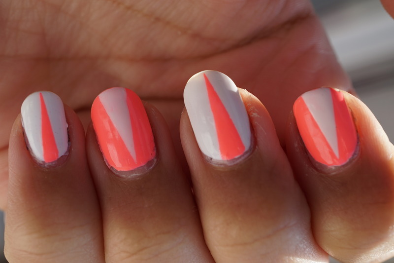 néon nails nail art by Cathy Neves