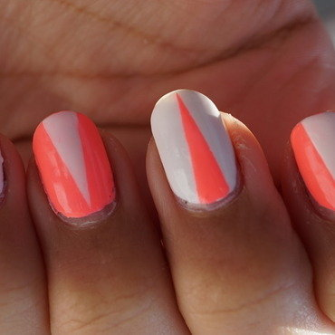 néon nails nail art by Cathy Neves