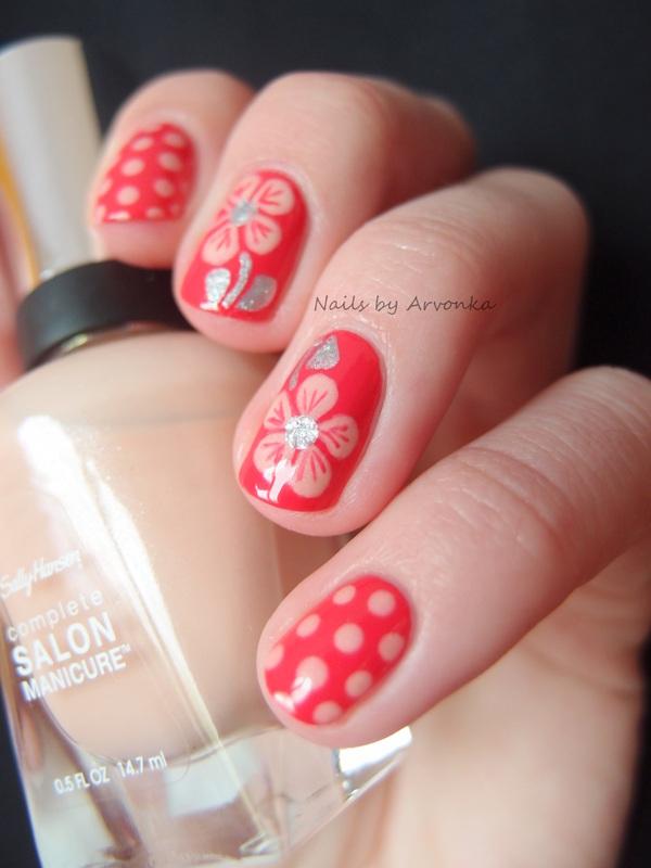 Flowers with Dots nail art by Veronika Sovcikova