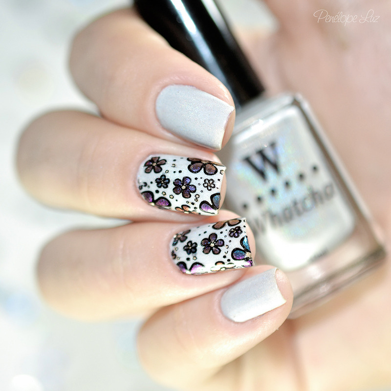 multichrome stamping nail art by Penélope Luz