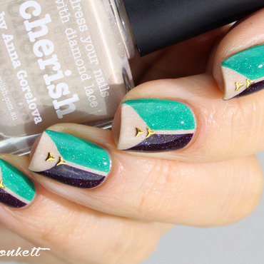 Triplé piCture pOlishien nail art by Mary Monkett