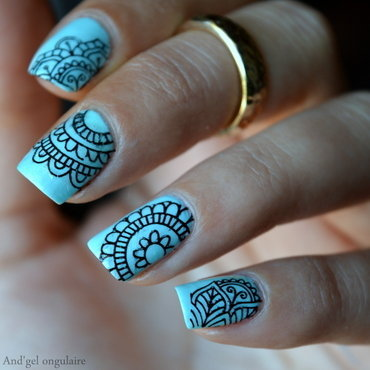 Stamping Mandalas effet Water Decals nail art by And'gel ongulaire