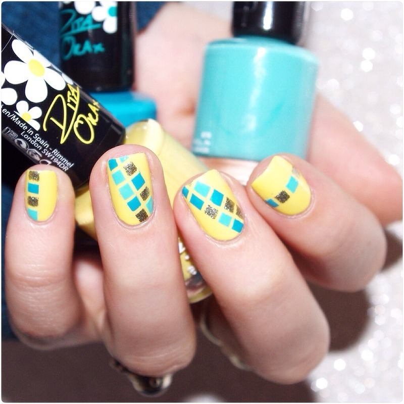 Spring Graphism ! nail art by Bulleuw