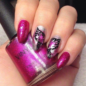 Foiled Butterfly Queen nail art by Henulle