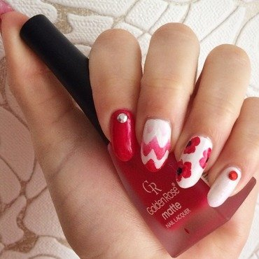 Poppies  nail art by Varvara