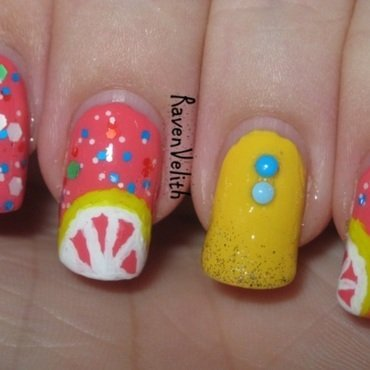 Pink Grapefruit nail art by Lynni V.
