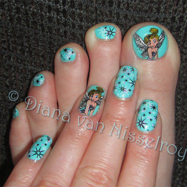 Tinker Bell and stars matching pedi nail art by Diana van Nisselroy
