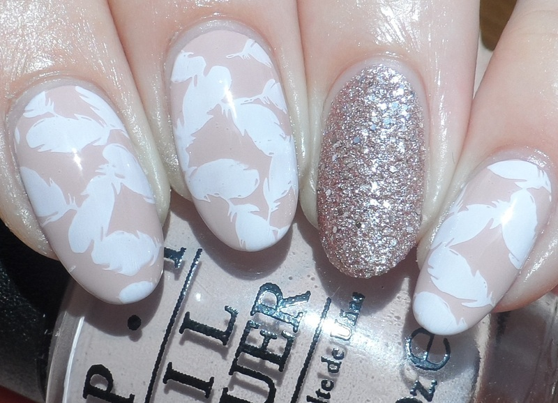 Feathers nail art by Plenty of Colors