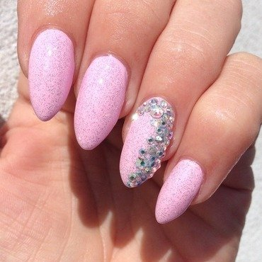 Girly glitter bling nails! nail art by Henulle