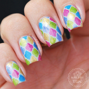 Colorful Quatrefoil Patterns nail art by xNailsByMiri