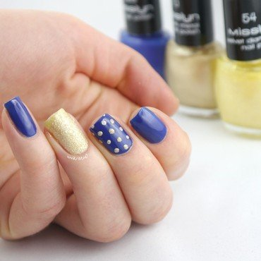 Blue and Yellow Mix and Match nail art by Ann-Kristin